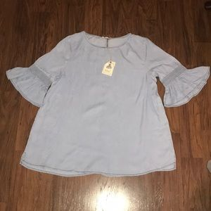 Chambray Tunic w bell sleeve & smocked detail